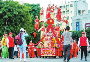Deities rule at temple fair
