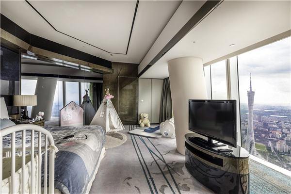 尊贵广州塔景大床房 Premier Room Canton Tower view king bed.jpg